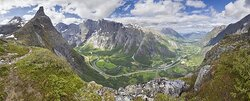 650px-View_to_Romsdalen_from_Litlefjellet,_2013_June.jpg